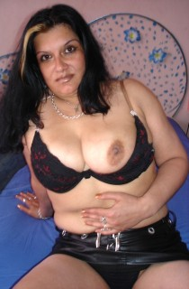 Aisha - Aisha is a 29 year old call girl from Bulgaria with a real lust for hot and kinky sex