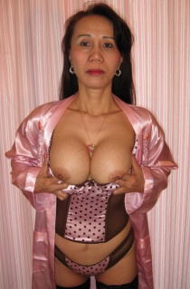 AsianKimbo - Kimbo is a petite and shaven asian milf with mouth watering tits. Dont miss her