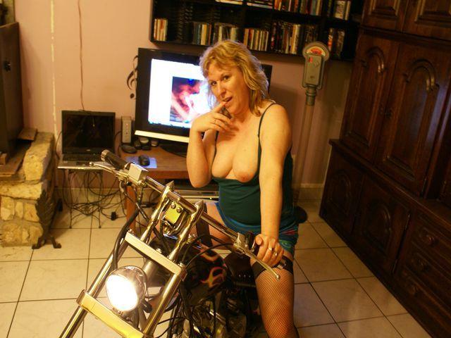 ashley tisdale naked dildo