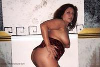Darling Dana - Posing Sans Panties