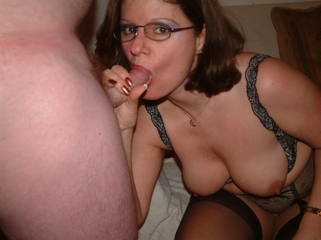 Cum slut mature housewife fucks sucks and takes facial in stockings and spectacles