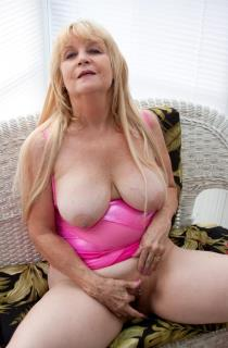 Miss Mirage - Check out this busty mature sex queen who loves to please. Mature amateur porn at its best