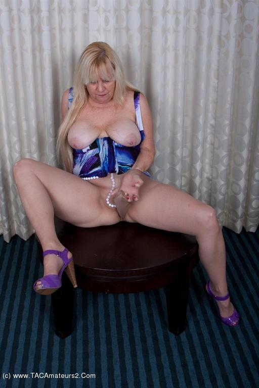 Nikki nude shower video
