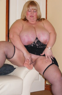 Slut Kelly-Kelly is a whole lotta sexy BBW with huge fuckable boobs. A must see for BBW fans