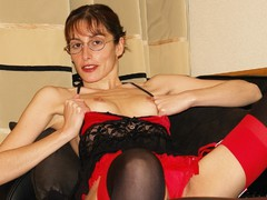 Nickis Nylons - Red Tops And Seams Gallery