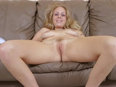 Squirt Queens - Julie Squirts Gallery