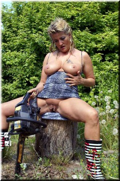 Sheilagirl - Hard Work in the Wood Free Pic 2